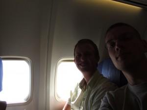 Wij zittend in het KLM toestel