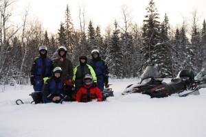 Bij de sneeuwscooters