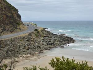 Impressie van de weg langs de kust.